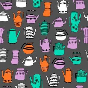 coffee and teapots // vintage retro teapots kitchen coffee pot design