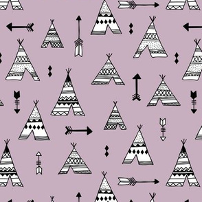 Trendy teepee and indian summer arrow illustration geometric aztec print in lilac purple