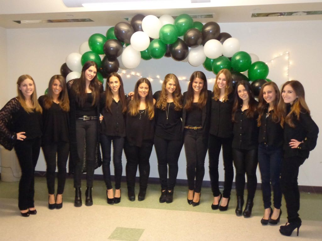 Alpha Epsilon Phi Turns Rush Week Into Fashion Week!