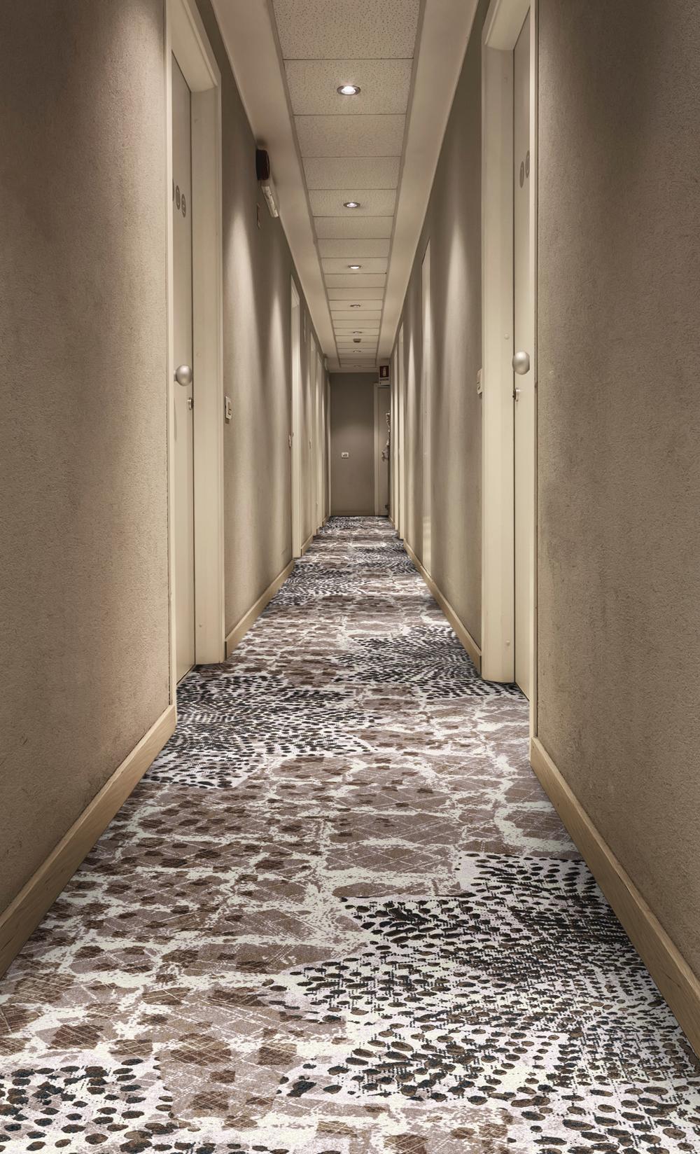 traces-corridor-1000