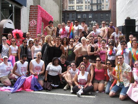 Swish_at_2011_nyc_pride_2