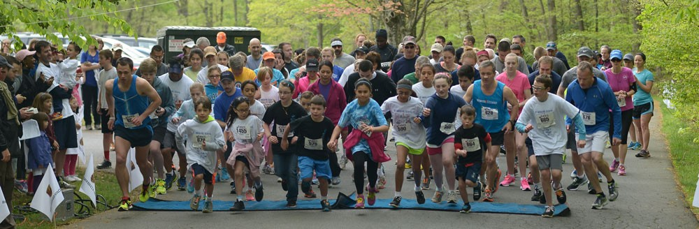 parents and children at start of race