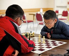 chess game between students