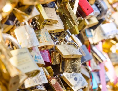 a-creative-valentines-day-gift-idea-from-sofitel-chicago-love-locks