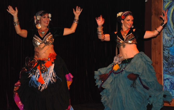 Kindred Tribal Belly Dance - Jenny and Lindsey - improvising on stage at Cozmic Pizza.