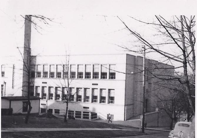 Ferndale High School, 1945. Notice how narrow Clay Street is.