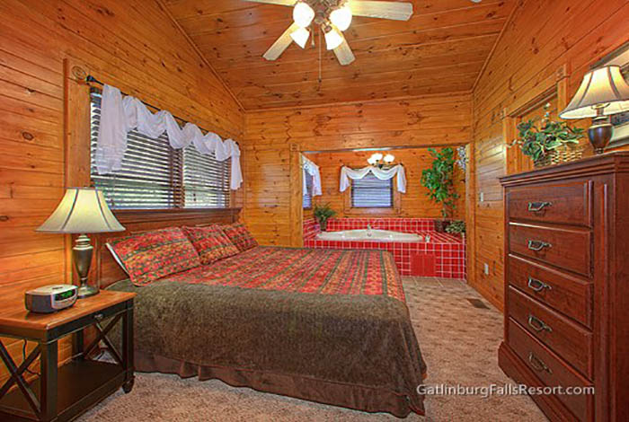 Gatlinburg cabin after the kiss 1 bedroom sleeps 6 - Pet friendly cottages with swimming pool ...
