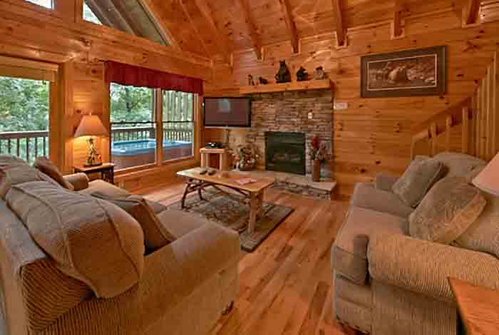 Pigeon Forge Cabin Bear 39 S Lair 2 Bedroom Sleeps 8 Bunk Beds Pet Friendly