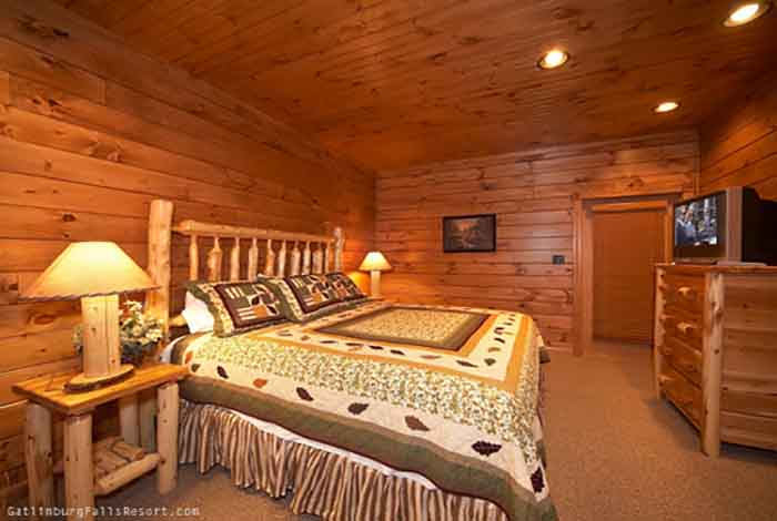 gatlinburg cabin hawk 39 s landing 3 bedroom sleeps 12 swimming