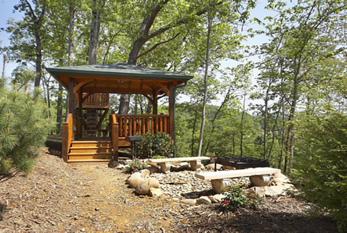 Gatlinburg cabin the treehouse 3 bedroom sleeps 10 for 10 bedroom cabins in tennessee