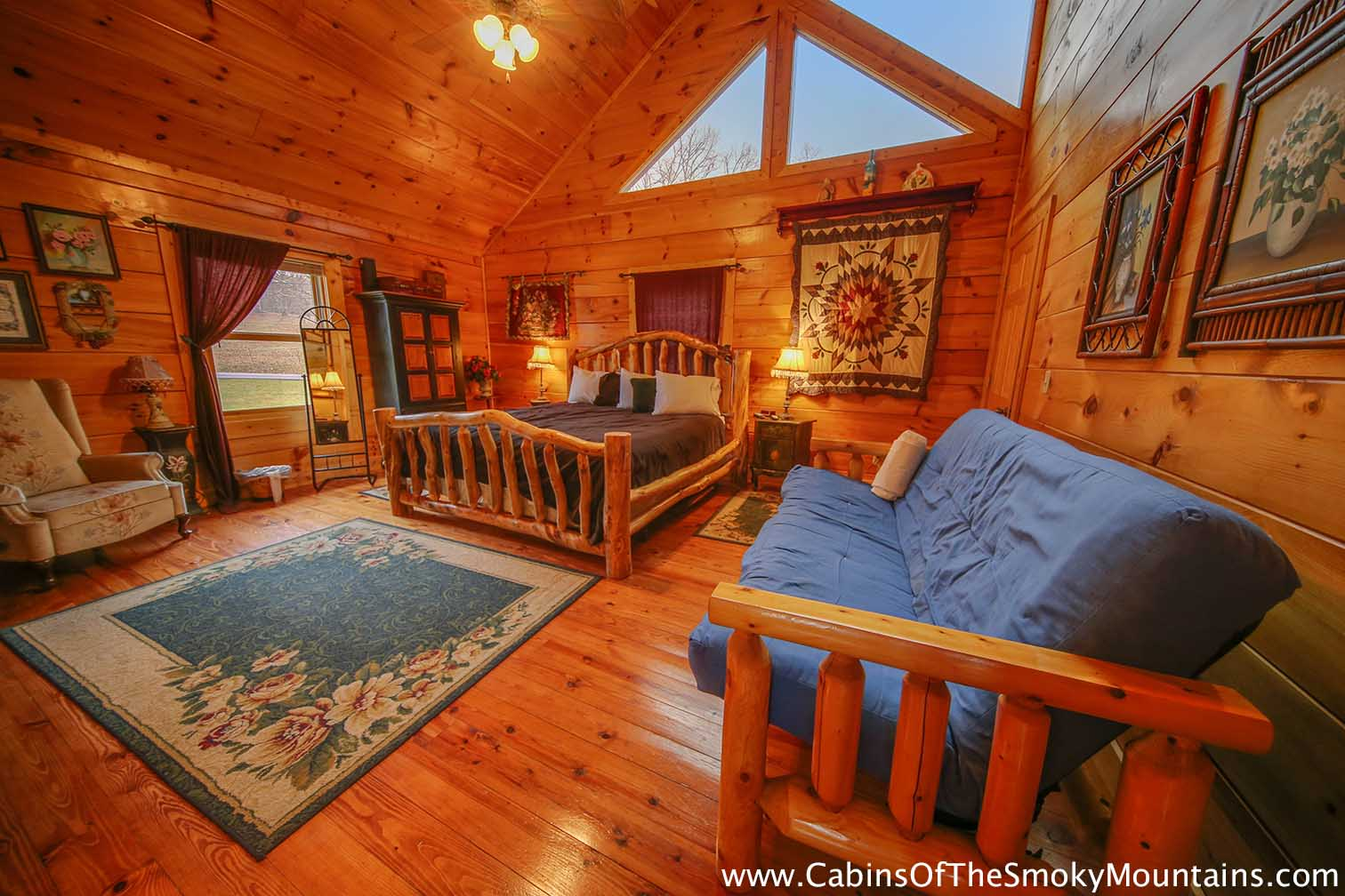 Pigeon forge cabin mountain jubilee 8 bedroom sleeps 28 for 8 bedroom cabins in gatlinburg
