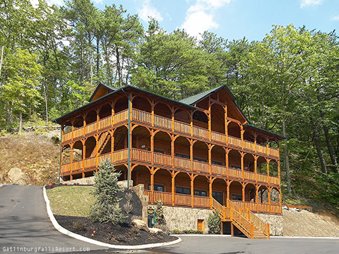 Gatlinburg cabin mountaintop mansion 9 bedroom sleeps 32 for Www cabins of the smoky mountains com