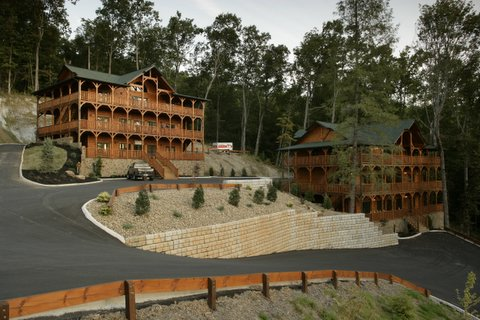 Gatlinburg Cabin - Smoky Mountain Mansion - 18 Bedroom ...