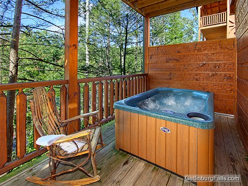 Gatlinburg cabin relaxation 1 bedroom sleeps 8 for 8 bedroom cabins in gatlinburg