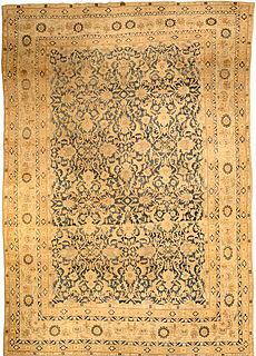 A Persian Kirman rug BB3619