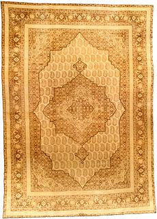 A Persian Tabriz rug BB2857