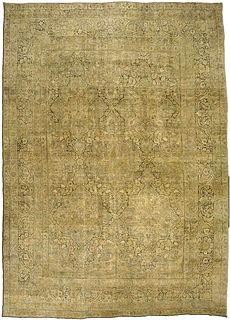 A Persian Kirman carpet BB3437