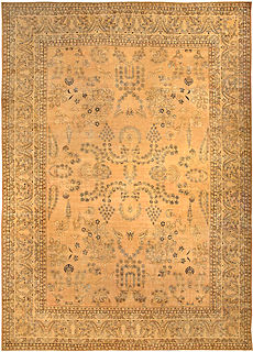 A Persian Kirman rug BB4100