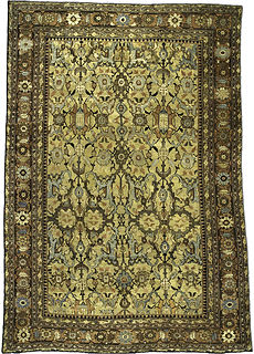 A Persian Sultanabad carpet BB3442