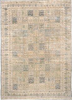 A Persian Kirman carpet BB3444