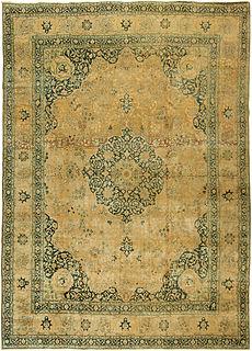 A Persian Tabriz rug BB2199