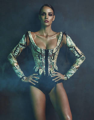 Sofia Resing - L'Officiel Singapore