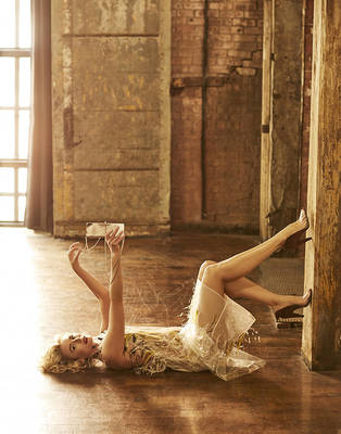 Niki Taylor - L'Officiel Australia