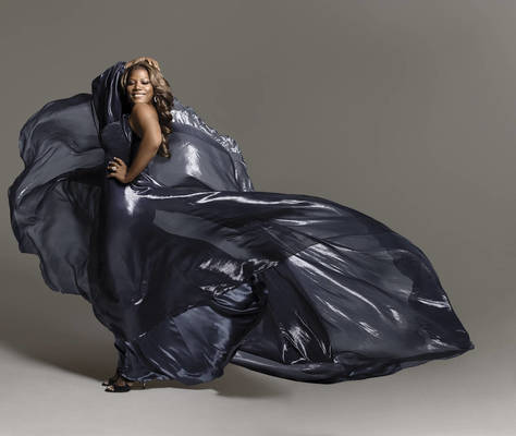 Queen Latifah - Cue the Rain
