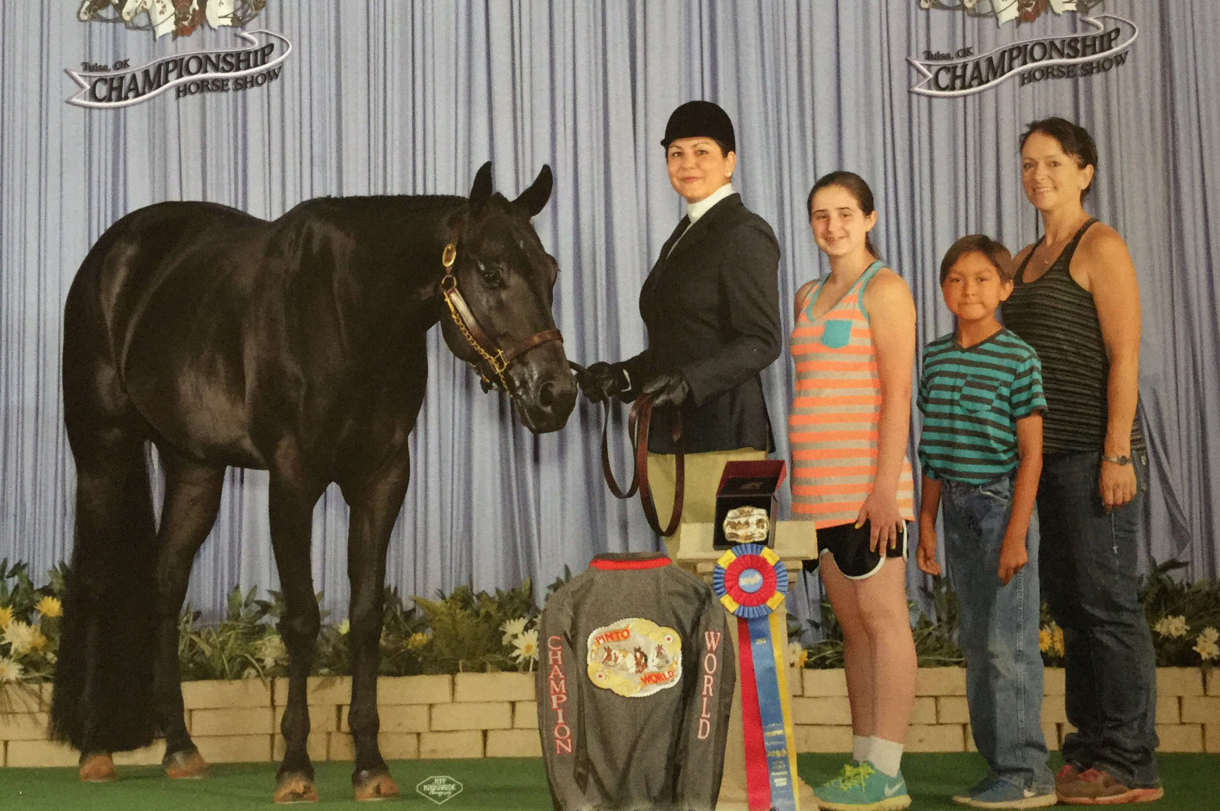 Aunt and nephew win World Champion honors at Pinto World Horse Show