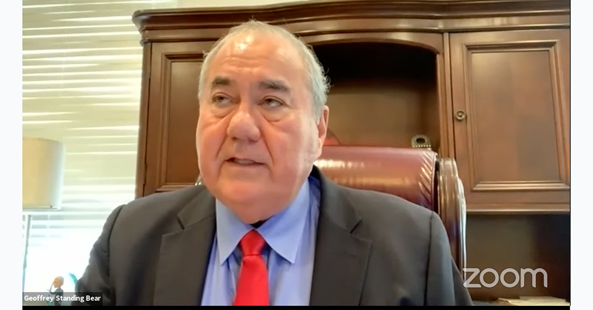 Chief Standing Bear announces Missouri land purchase during executive address
