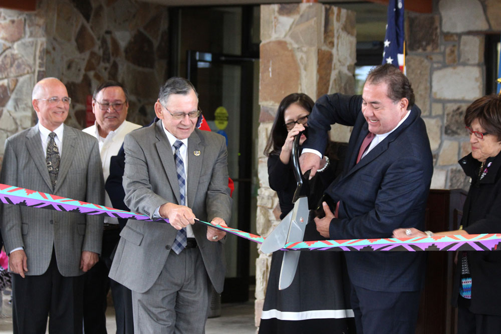 New Wah-Zha-Zhi Health Center adds full-time physician and other services