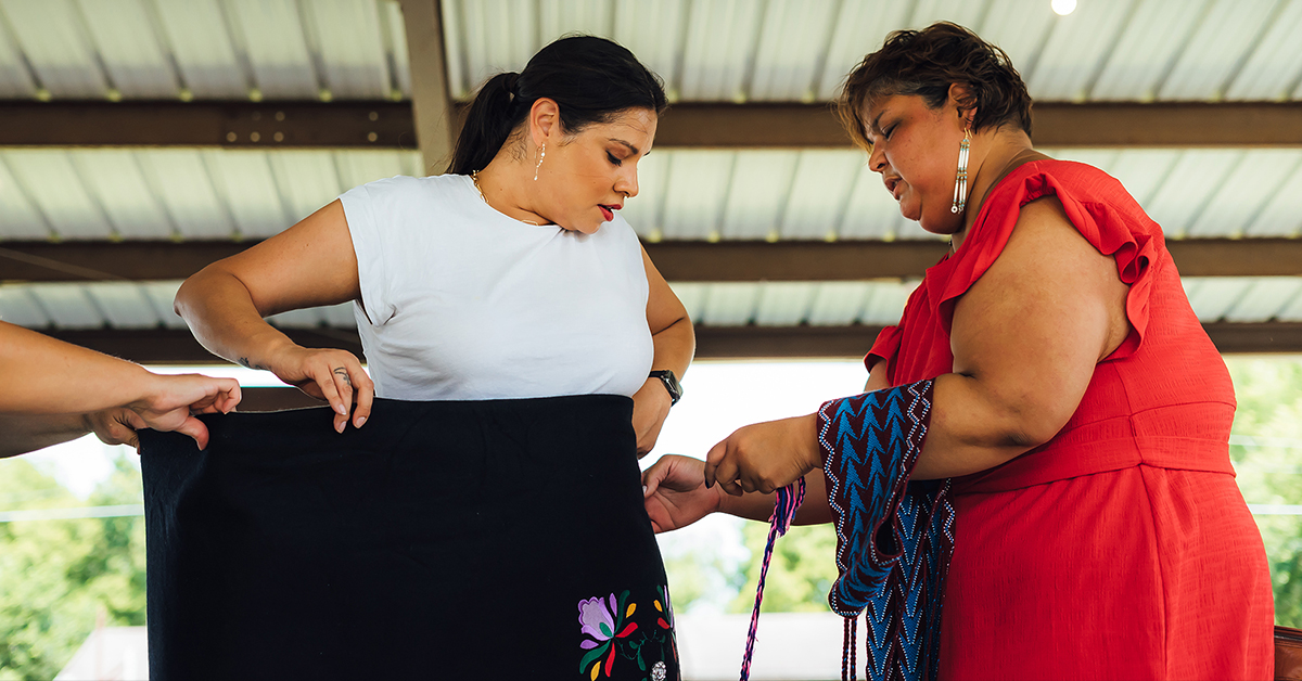 Osage women dress KOTFM actress for Pawhuska Inlonshka