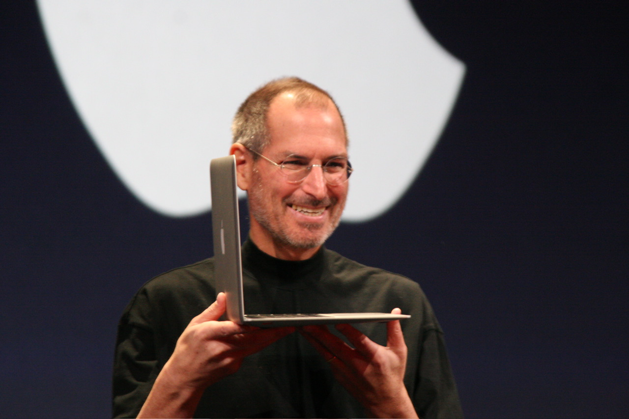 carlos whittaker acirc steve jobs resigns how has apple changed the new