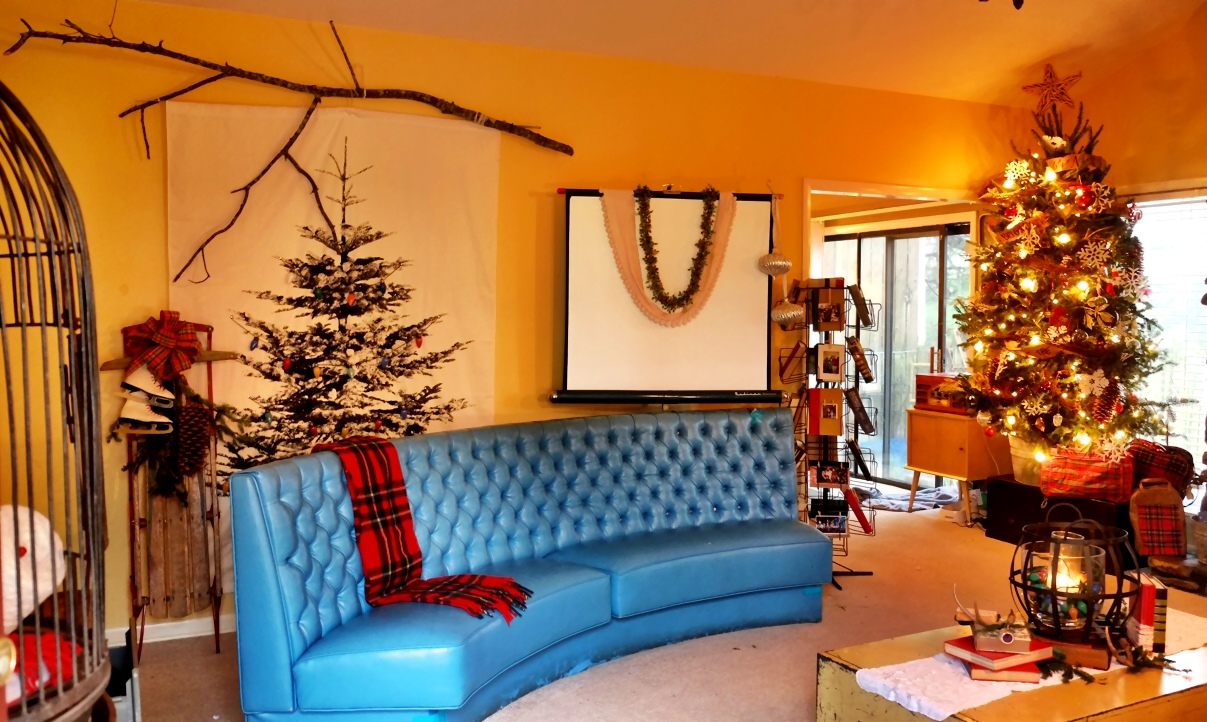 Carlos Whittaker The Whittaker Living Room Christmasedition . Part 44