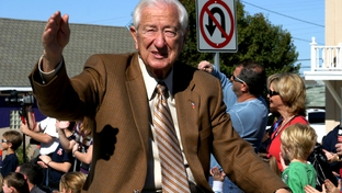 Congressman Ralph Hall waves to the crowd at Frisco 2008 community parade