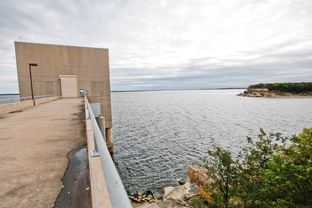 A raw water pump station at Lake Texoma on Wednesday, Oct. 16, 2013. The station is bisected by the state line between Texas and Oklahoma, complicating the transportation of water to its intended destination in Texas.