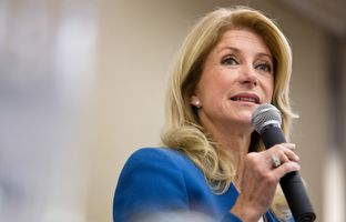 Senator Wendy Davis addresses the Texas Democratic Women's Convention in Austin, TX. Feb. 22, 2014.