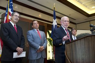 Governor Rick Perry's legal team includes, l to r, David Botsford, Tony Buzbee, Ben Ginsberg and Bobby Birchfield.  Not pictured is former Chief Justice Tom Phillips.