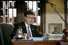 Lt. Gov. Dan Patrick signs bills on last day of 84th Legislative session June 1, 2015