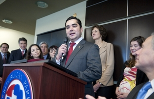 State Rep. J.M. Lozano of Kingsville officially announcing on March 8, 2012, his switch to the Republican Party.
