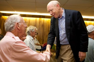 Democratic candidate for Texas governor Bill White campaigns in Henderson at the East Texans for Texas rally