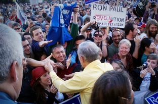 Ron Paul shaking hands after a speech on UT Austin campus in 2008.