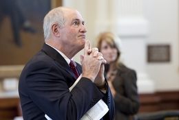 Sen. Kel Seliger (l), R-Amarillo, ponders the comments of Sen. Wendy Davis during redistricting debate on May 17, 2011.