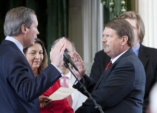 Lt. Gov. David Dewhurst, swears in Sen. Mike Jackson as President Pro Tempore on May 30th, 2011
