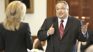 Sen. John Carona R-Dallas, answers a question by Sen. Wendy Davis D-Ft. Worth regarding HB 3, the TWIA bill on Senate floor June 28th, 2011