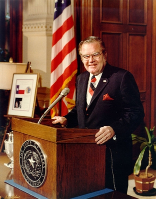 Former Gov. Dolph Briscoe Jr., at a press conference