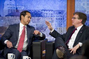 San Antonio Mayor Julian Castro and lieutenant governor hopeful Dan Patrick went head to head on immigration and border security on Univision in a Tuesday night event.