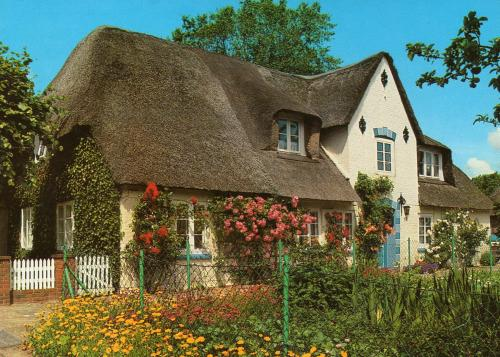 postcard de 1489330 sch ne h user in schleswig holstein deutschland beautiful houses in. Black Bedroom Furniture Sets. Home Design Ideas