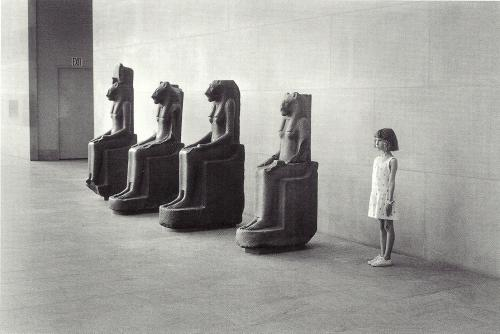 Metropolitan Museum of Art, New York, 1988. Selected from Elliott Erwitt Snaps