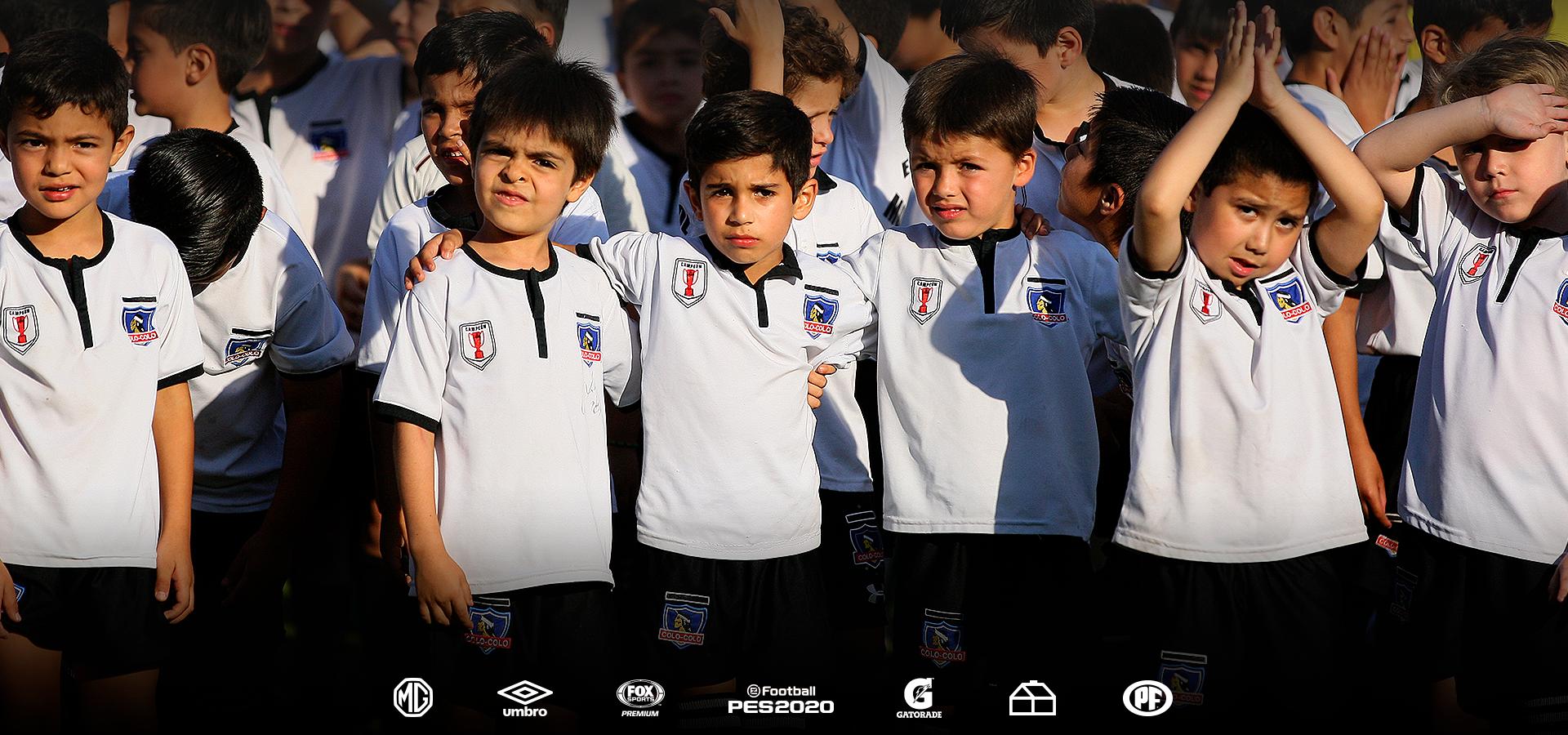 El Mago Farfani deslumbró con sus trucos al Fútbol Formativo